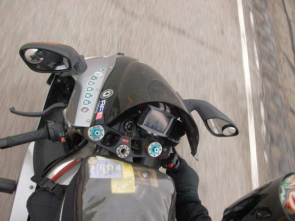 I love how you can see the speedo readout on the Zumo in this picture :)