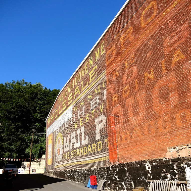 mail pouch tobacco mural pottsville pennsylvania