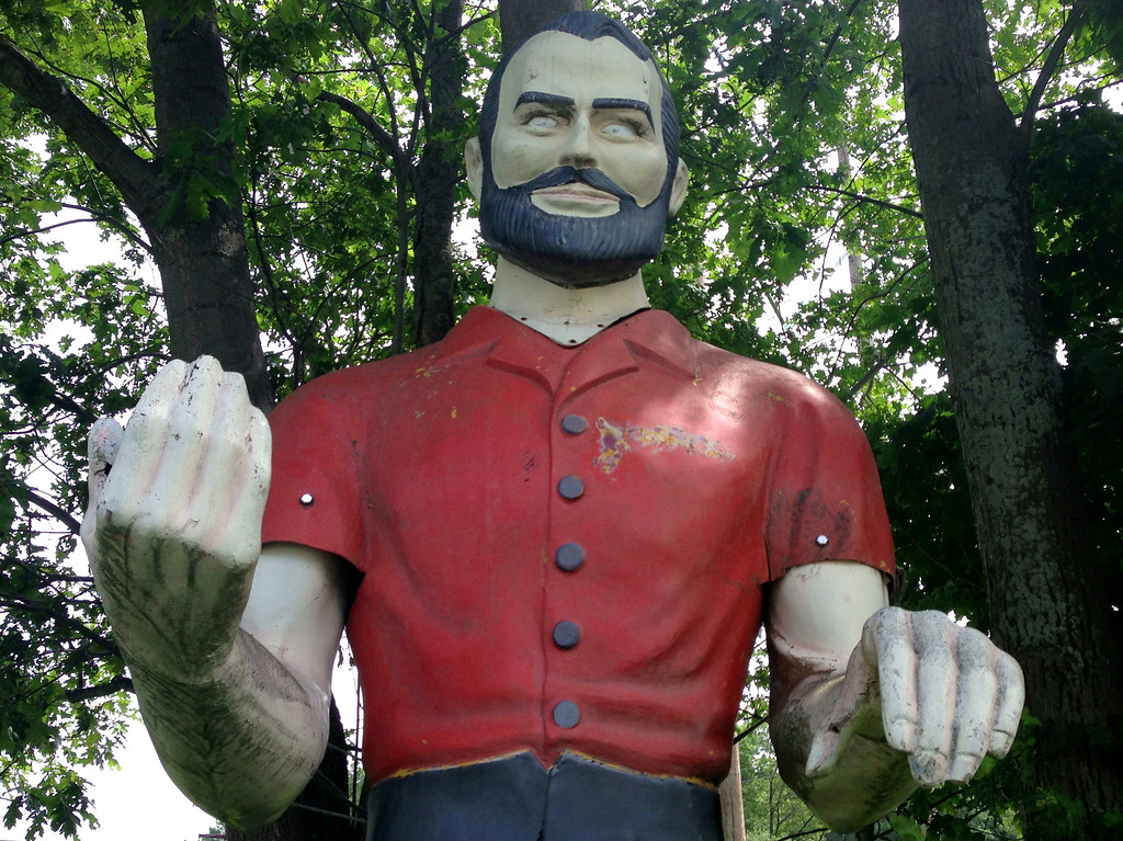 muffler man groveland mass
