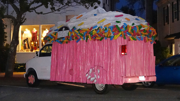 Cupcakemobile art car