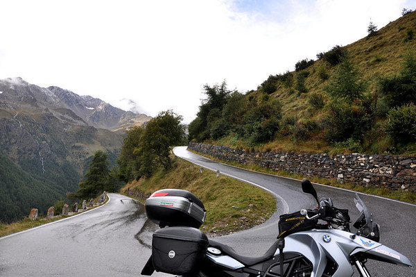 Going up the Gavia Pass
