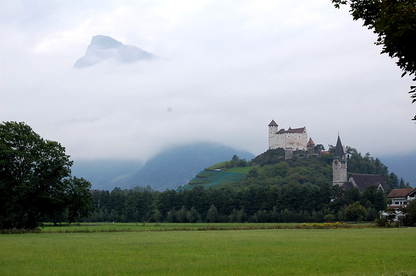 Pimmies Photo - Castle near Swiss - Liechtenstein border