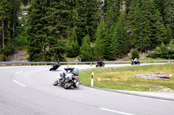 GS dragging sidebags through hairpin maloja pass