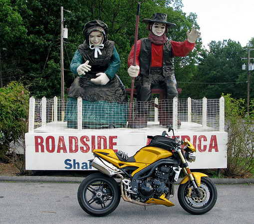 Scary Amish Statues at Roadside America - Shartlesville, Pa