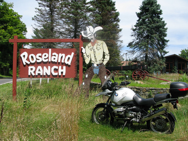 Roseland Ranch Resort sign in Dutchess county new york