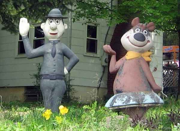 Yogi Bear's Park Ranger Smith and Cindy Bear