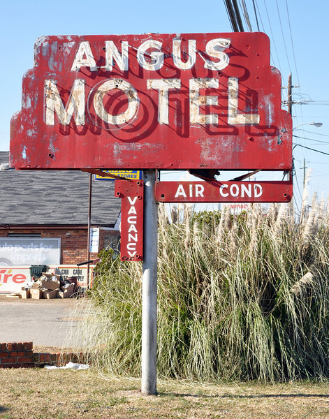 Angus Motel Neon Sign Georgia