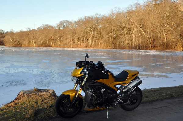 Triumph Speed Triple Icy Lake