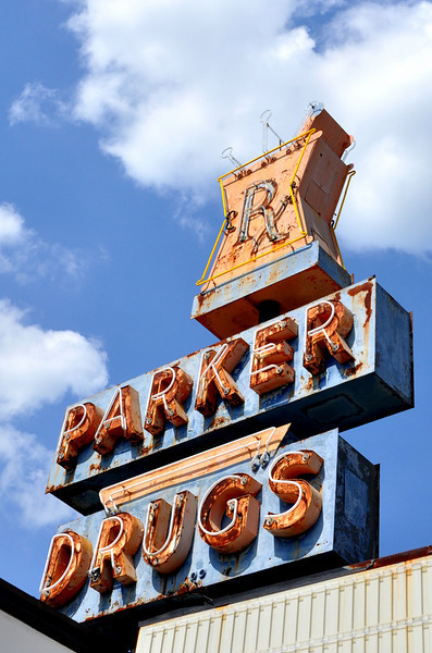 Vintage Neon Parker Drugs Leeds Alabama