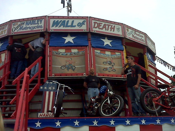 Wall of Death California Hell Riders Show