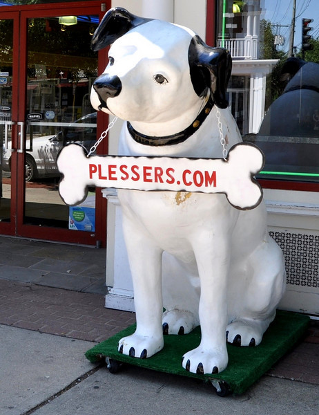 Nipper the Dog Plesser's Babylon Village New York