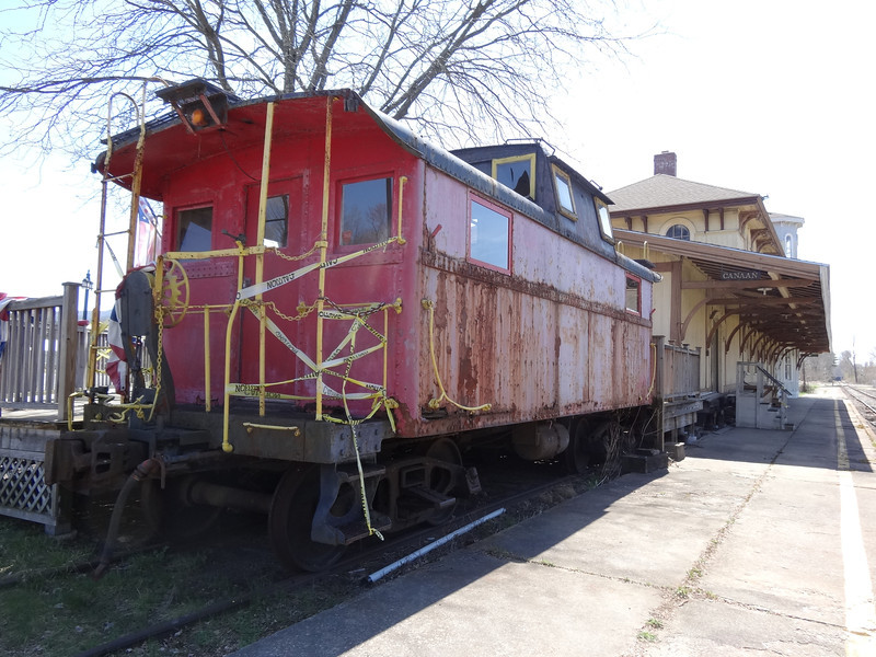 red caboose north canaan
