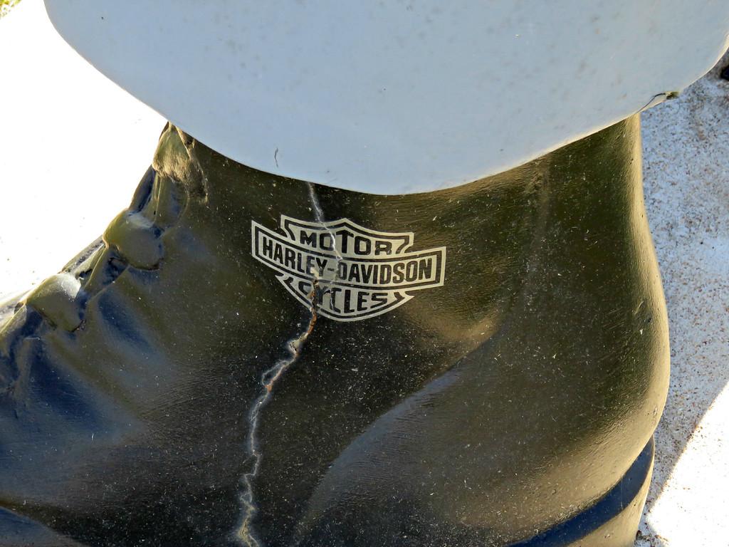 muffler man boot